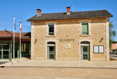France, picturesque city hall of Proissans