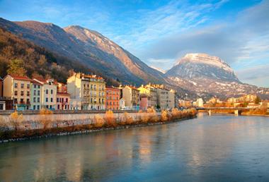 Grenoble lance un droit d'interpellation «qui donne du pouvoir d'agir»
