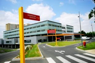 Sur 400 contrats d'engagement de service public (CESP) proposés pour 2010 et pour 2011, seuls 146 et 195 ont été signés selon l'Association nationale des étudiants en médecine de France.