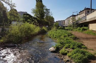 Sur la rivière Yzeron, quatre kilomètres et demi de rivière sur 25 ont déjà été élargis et le premier barrage est prévu pour 2021.