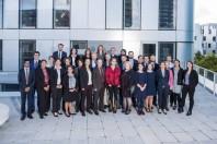 Photo de groupe de la première promotion (Jules Verne) d'élèves ingénieurs en chef territoriaux de l'Inet, 2017-2018.