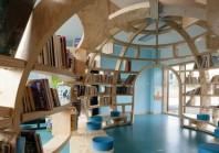 Ajuster l'architecture et le design aux besoins pédagogiques et renforcer le lien social et culturel de l'école en l'ouvrant au reste de la population, telle est la démarche adoptée par l'école primaire de Trébédan (Côtes-d'Armor).