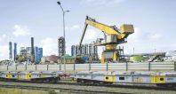 Le site de Dunkerque recycle des sous-produits, notamment les laitiers, les gaz sidérurgiques et des ferrailles, afin d'économiser des matières premières et de réduire ses émissions de CO2.