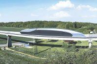 Pour les essais du Spacetrain (ici en images de synthèse sur une vue réelle), 10 des 18 km de la piste abandonnée de l'Aérotrain dans le Loiret seront utilisés.