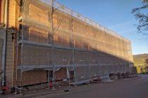 A Tramayes, plusieurs bâtiments publics ont fait l'objet d'une rénovation thermique, comme la gendarmerie (ici) et la salle des fêtes.