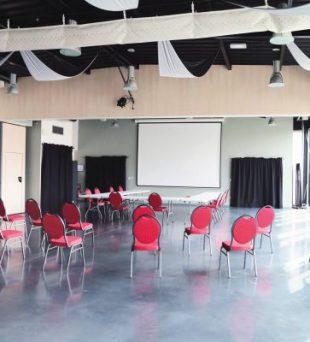 Au cœur du village de Wargnies-Le-Grand, au pays de Mormal (Nord), se trouve La Fabrique de Mormal. Ce bâtiment accueillera show-room, foires, séminaires…