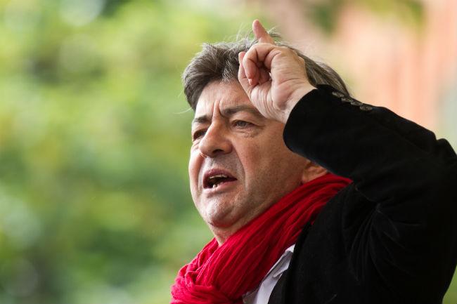 Jean-Luc Mélenchon vent debout contre la présence de Jean-Claude Juncker