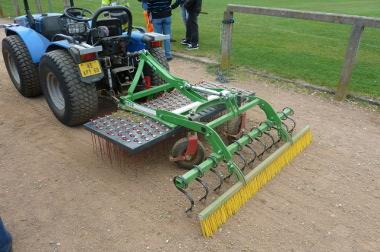 Le désherbage mécanique, une alternative contre les pesticides