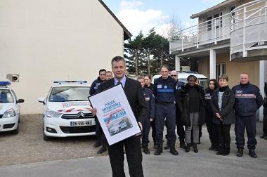 Le maire de Carrières-sous-Poissy crée un numéro spécial pour la police municipale