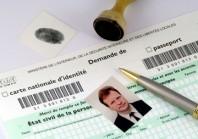 Réforme des cartes d'identité : l'agenda fait grincer des dents