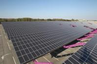 centrale photovoltaique au lac