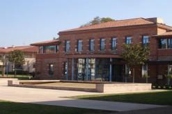 La mairie de Castanet-Tolosan, membre du Sicoval (Haute-Garonne)