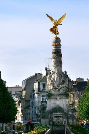 Reims_fontaine Sube
