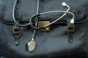 sacoche de mécin avec stétoscope