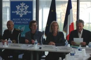 Clotilde Valter et Ségolène Neuville se sont déplacées à Melun pour présenter le simulateurs d'aides sociales mes-aides.gouv.fr.