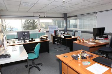 absenteisme-bureau-Une