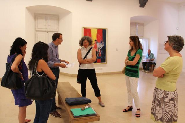 A Antibes, les agents vont au musée pour nourrir leur curiosité et réfléchir à leurs pratiques. © Ville d'Antibes – Isabelle Dejans
