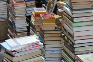 books 380 -UNE