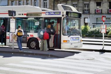 Bus réseau de transport urbain