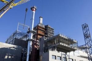 Le pôle multifilières de valorisation des déchets « Vernéa », inauguré en décembre 2013, doit collecter 230 000 tonnes de déchets par an auprès de 650 000 habitants du territoire du syndicat pour la valorisation et le traitement de déchets ménagers (Valtom) du Puy-de-Dôme et du nord de la Haute-Loire.