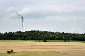 Une éolienne autorisée en site protégé