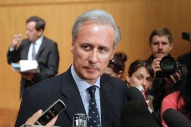Georges Tron, secrétaire d'Etat à la fonction publique, le 19 avril 2011, à l'issue de la réunion de négociation salariale avec les syndicats.