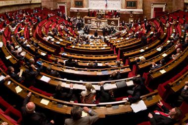 La session parlementaire de tous les dangers