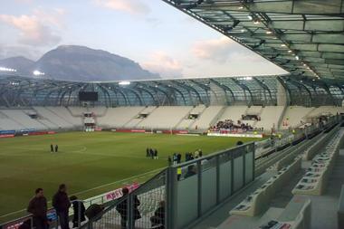 Le stade des Alpes à Grenoble (20 000 places), inauguré en 2008.