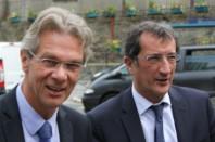 Le président du CNFPT François Deluga (à gauche) en compagnie du ministre délégué à la Ville, François Lamy.