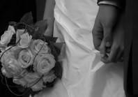 Enquête sur des mariages blancs : le rôle des assistants sociaux en question