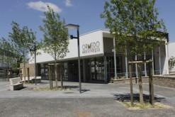 La médiathèque Ormédo, à Orvault, séduit par la rationalisation de ses espaces. C'est un véritable lieu de vie, d'animations et d'échanges.