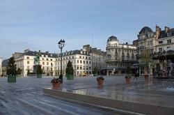 Orléans, place du Martroi.
