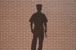 policier_delinquance_silhouette