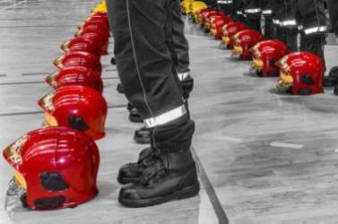 pompiers casque rang UNE