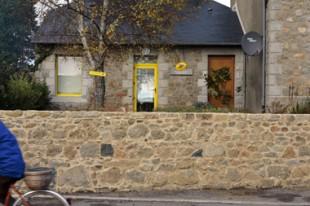 Bureau de poste petite maison