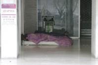 Un SDF dort dehors