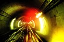 Tunnel de train ferroviaire lumières