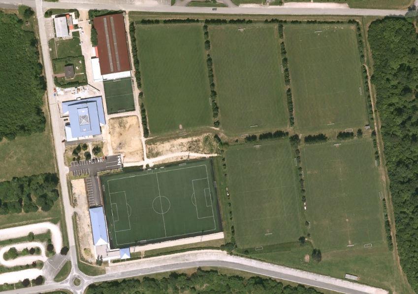 6 terrains de foot à Velaine-en-Haye